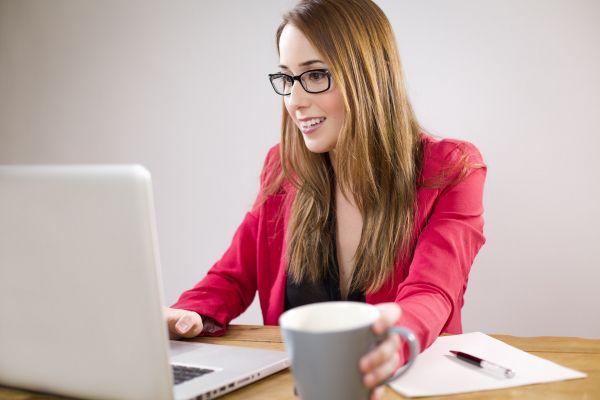 Laptop Web Designer